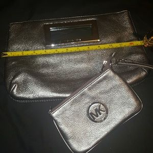 Handbags - USED MICHEAL KORS CLUTCH AND WIRSTLET